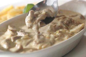Говядина с грибами в сметане рецепт с фото